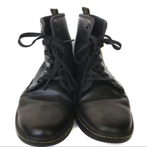 Dr. Martens Black Leather Shoreditch Boots